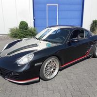 Dezentes Streifendesign für den Porsche Cayman S