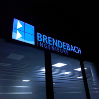 """Nachtansicht Außenwerbung """"Brendebach"""""""